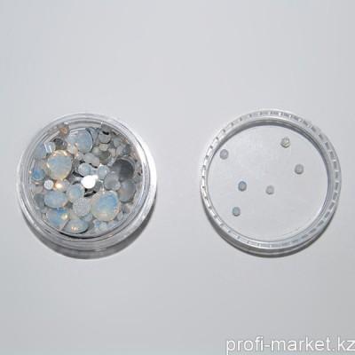 Стразы цветные микс размеров в баночке (09 Микс White Opal)